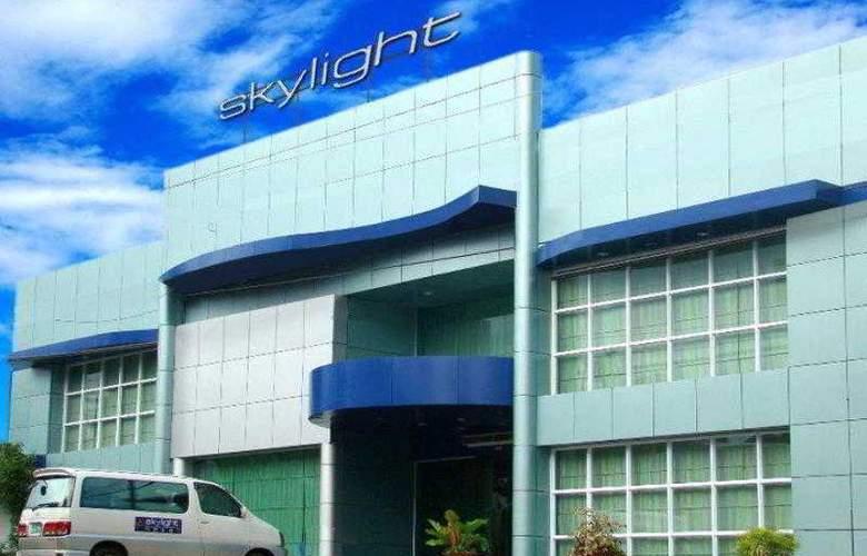 Skylight Hotel - Hotel - 0