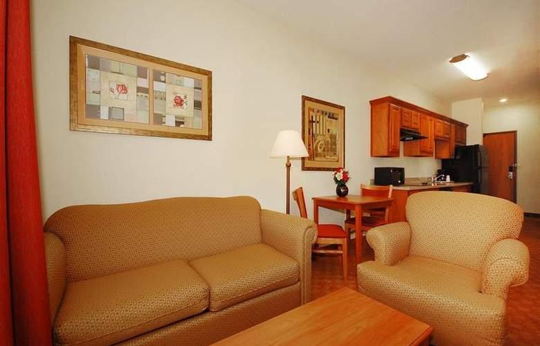 Best Western Plus San Antonio East Inn & Suites - Room - 107