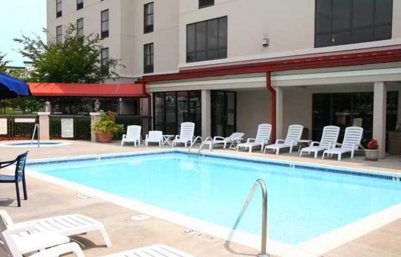 Hampton Inn & Suites Concord/Charlotte - Hotel - 3