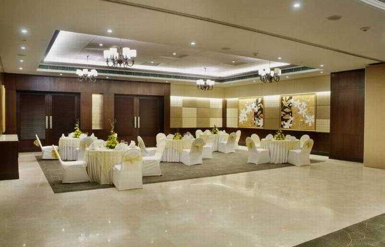 Express Sarovar Portico, Surajkund - Conference - 6