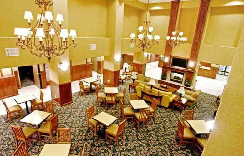 Hampton Inn & Suites Palmdale - Hotel - 1