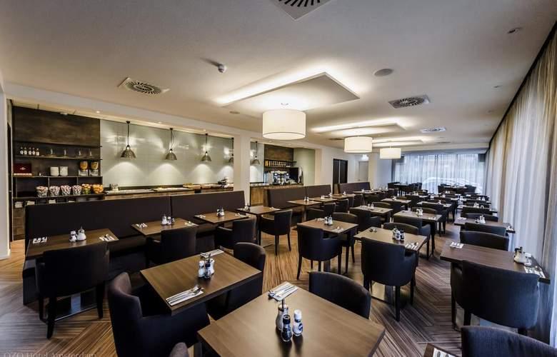 Ozo Hotel - Restaurant - 3