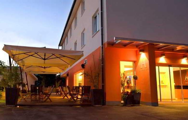 Ahotel Ljubljana - Hotel - 9