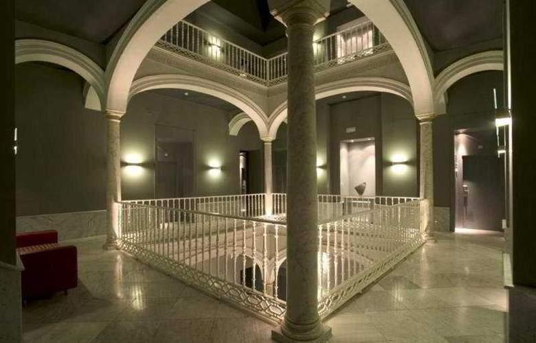 Petit Palace Santa Cruz - General - 8