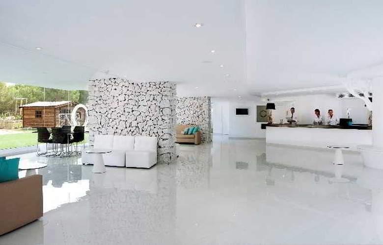 Fergus Style Cala Blanca Suites - General - 4