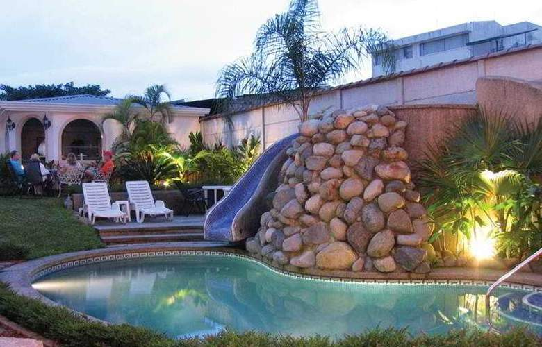 Santo Tomas - Pool - 0