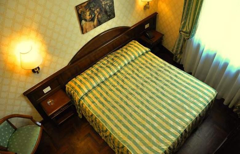 Boccaccio - Hotel - 3