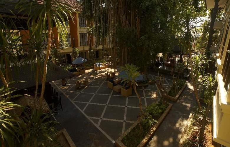 Best Western Resort Kuta - Terrace - 50