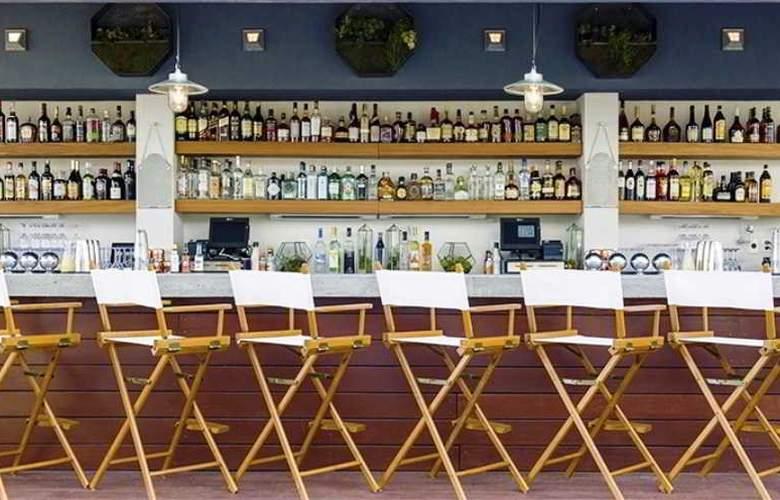 McCarren Hotel & Pool - Bar - 26