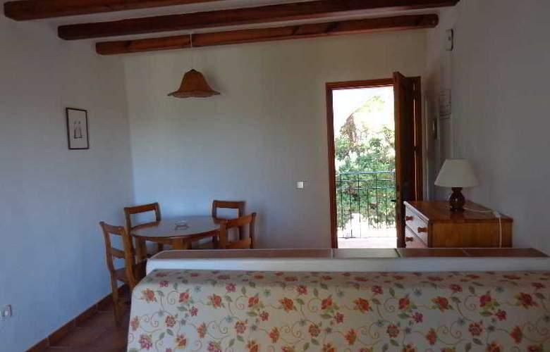 Benet - Los Pinares I - Room - 11