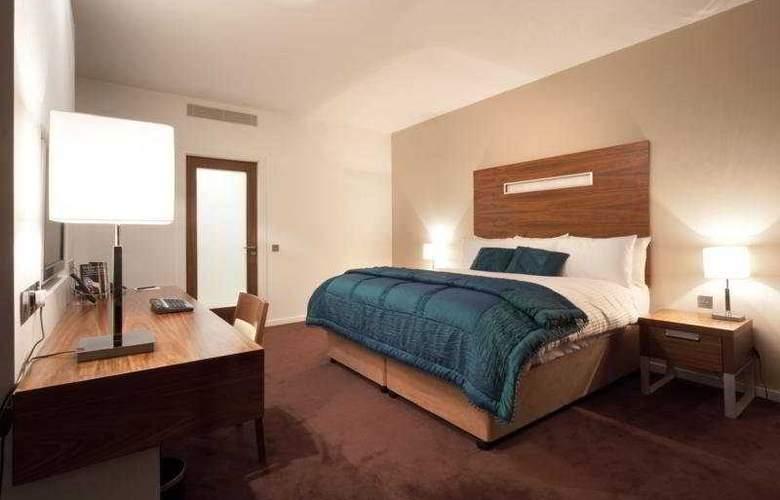 Clayton Galway - Room - 1