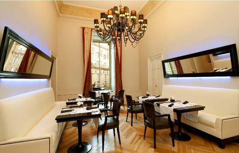 Seven Stars Galleria - Restaurant - 5