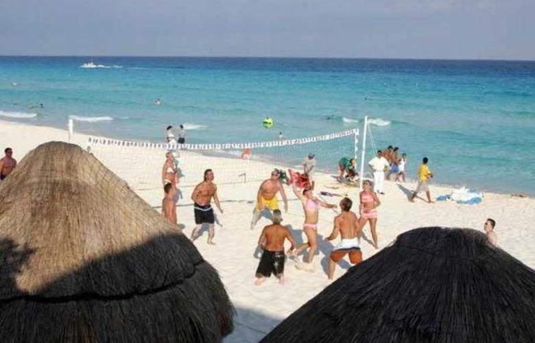 Golden Parnassus Resort & Spa All Inclusive - Beach - 19
