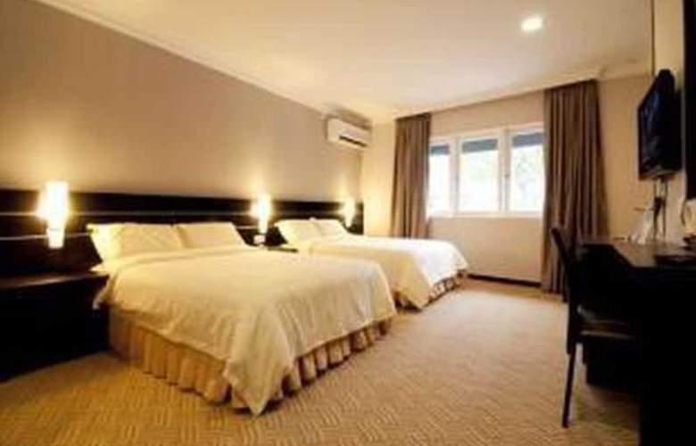 Hotel Waterfall Penang - Room - 8