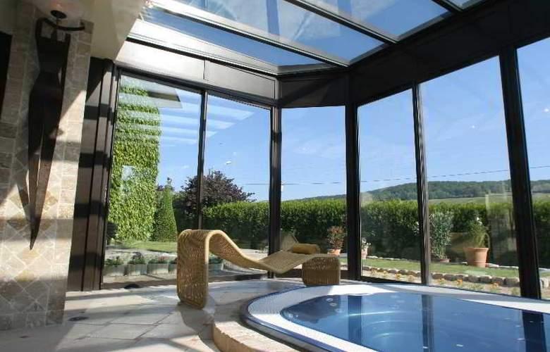 Hostellerie La Briqueterie - Pool - 1