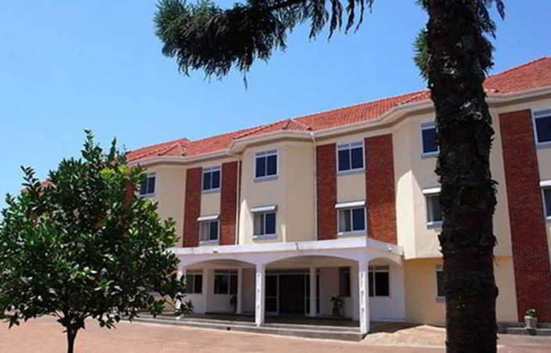 Centra Inn - Hotel - 0