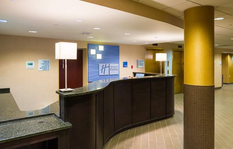 Holiday Inn Express Philadelphia Penns Landing - General - 1
