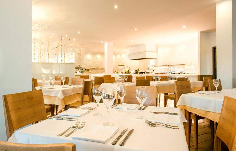 Iberostar Club Cala Barca - Restaurant - 25