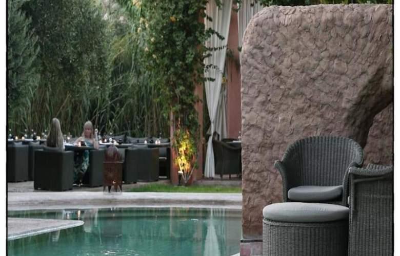 Riad Les Deux Tours - Pool - 19