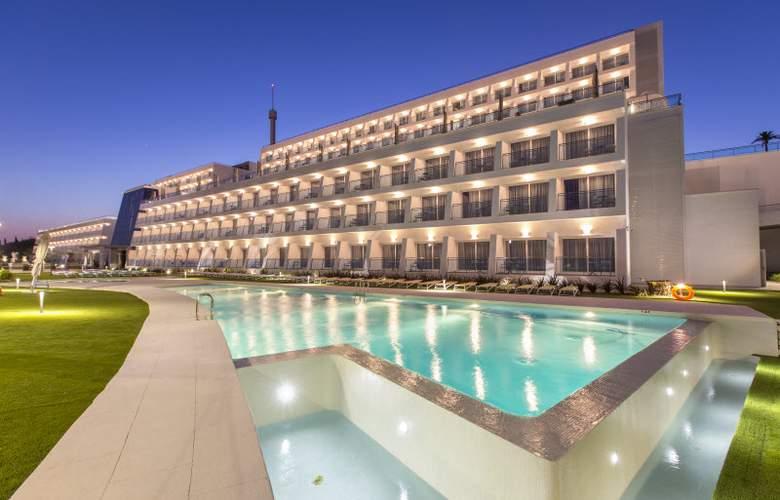 Grand Luxor - Hotel - 14