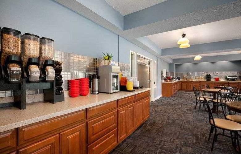Best Western Plus Peppertree Auburn Inn - Hotel - 17