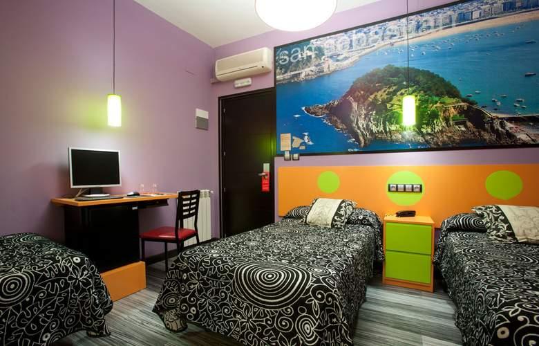 JC Rooms Santa Ana - Room - 12