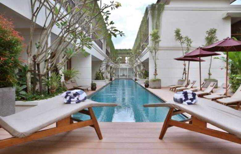 Seminyak Lagoon All Suites Hotel - Pool - 1
