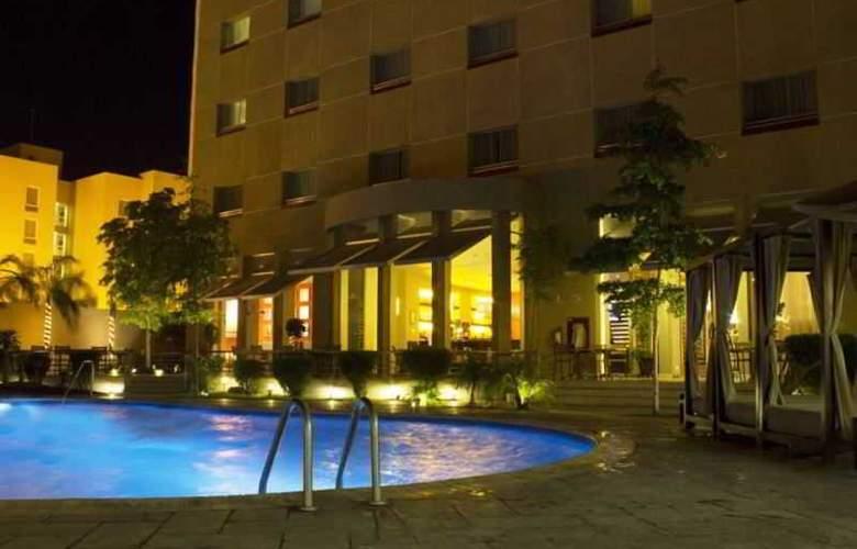 Lucerna Hermosillo - Pool - 18