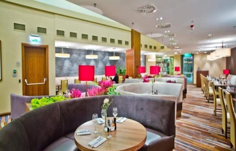 Hilton Garden Inn Rzeszow - Restaurant - 18