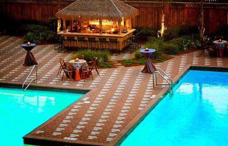DoubleTree by Hilton Hotel New Orleans Airport - Pool - 6
