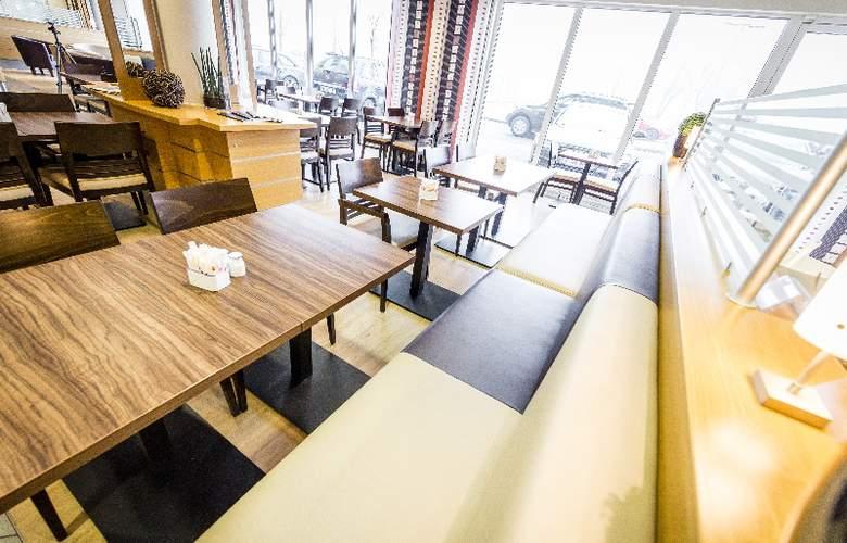 Holiday Inn Express Cologne Muelheim - Restaurant - 9
