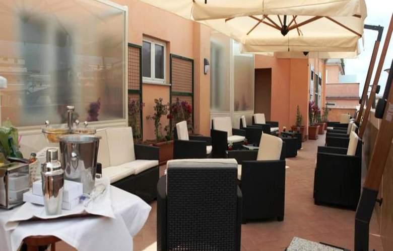 Augusta Lucilla Palace - Bar - 17