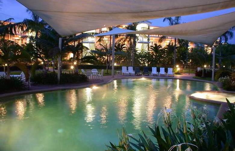 Australis Cairns Beach Resort - Pool - 7