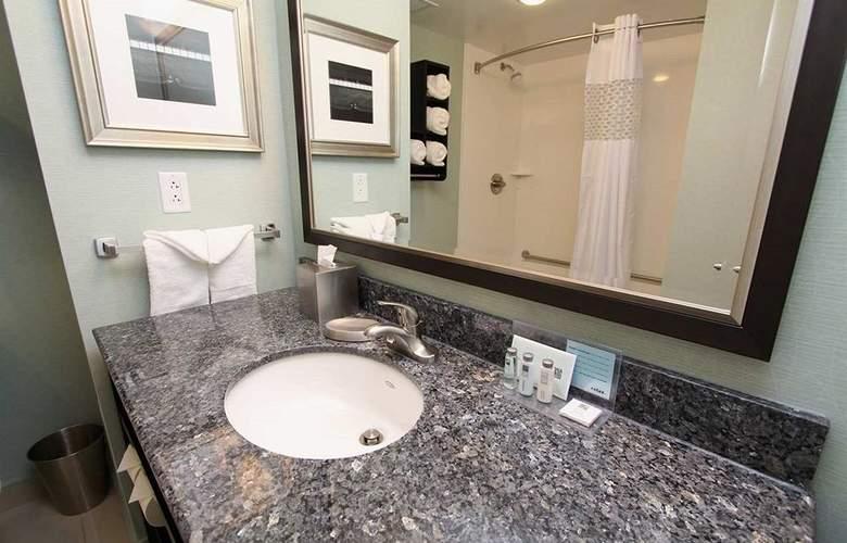 Hampton Inn & Suites by Hilton St. John's Airport - Room - 12