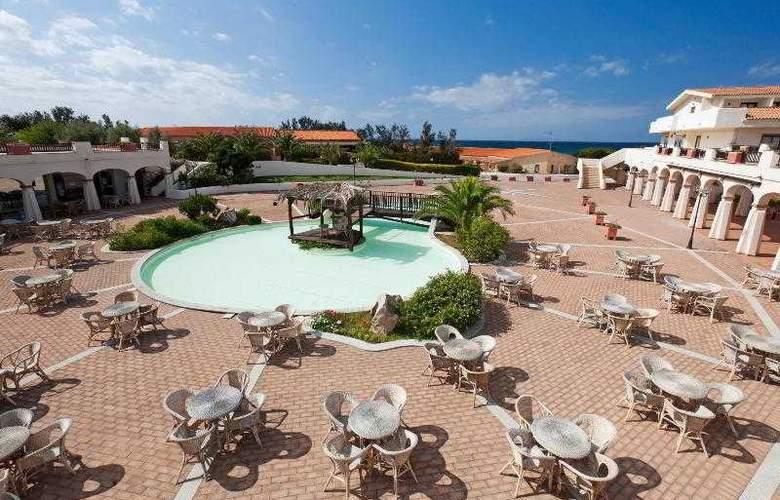 La Plage Noire Hotel & Resort - Restaurant - 12