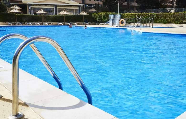 Club Amarilis - Pool - 3