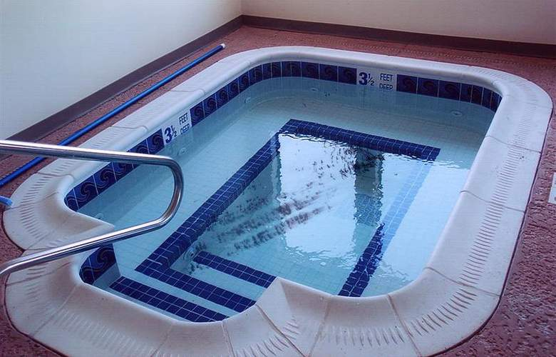 Best Western Plus Liverpool Grace Inn & Suites - Pool - 39