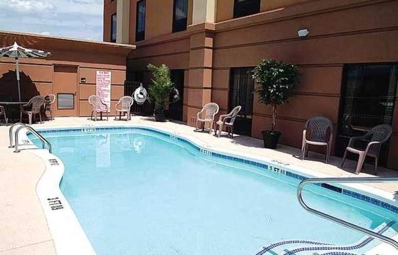Hampton Inn Hinesville - Hotel - 5