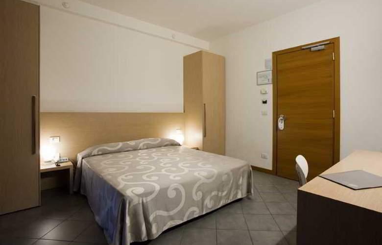 Eden Hotel - Room - 10