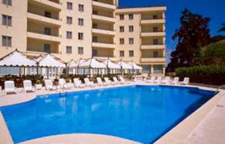NH Villa San Mauro - Pool - 4