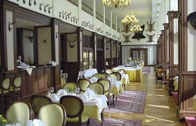 Apollo Hotel Bratislava - Restaurant - 5