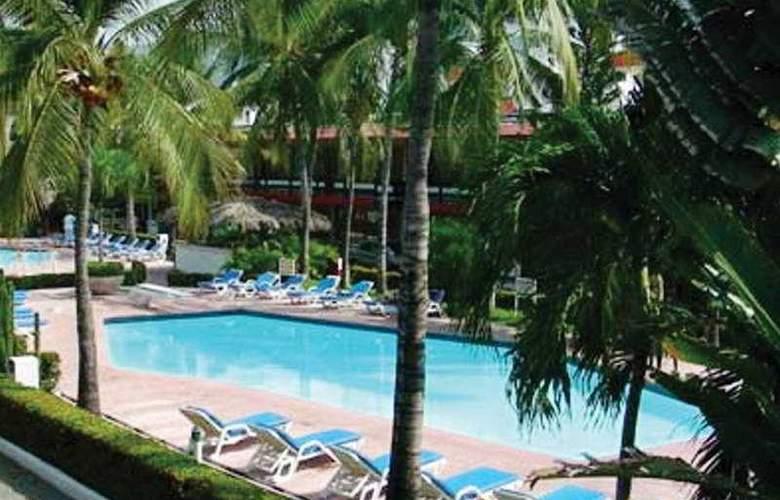 Bali - Hai - Pool - 2