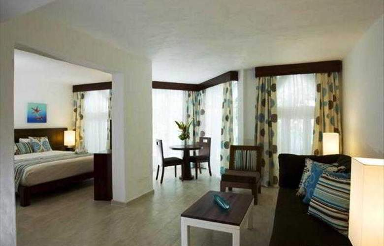 Grand Paradise Playa Dorada All Inclusive - Room - 13