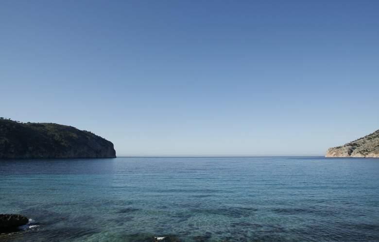 Cabau Bahia Camp de Mar Suites - Beach - 3