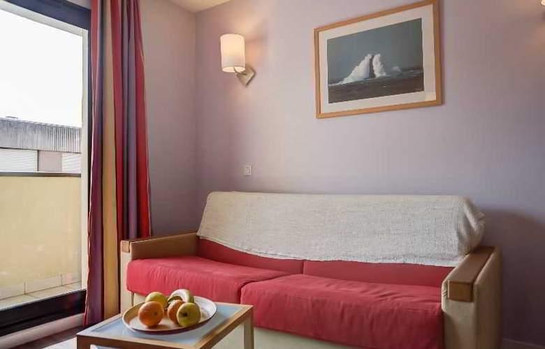 Pierre et Vacances la Rochelle Centre - Room - 9
