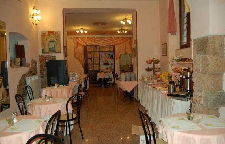 Leonardo - Restaurant - 6