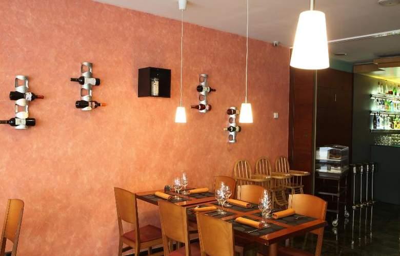 Tulip Inn Andorra Delfos - Restaurant - 32