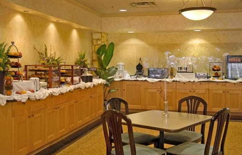 Ramada Dallas Love Field - Restaurant - 10