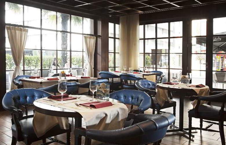 Holiday Inn Lugano Centre - Bar - 26
