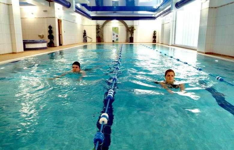 Treacys Hotel Spa & Leisure Club Waterford - Pool - 4